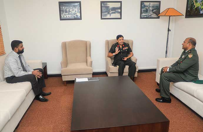 The Defence Attaché For The Republic Of Maldives Visits  The Vice Chancellor Of KDU